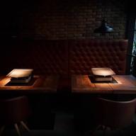 บรรยากาศ BRO's grill and beer bar  สุขุมวิท 50