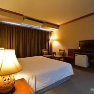 โรงแรมทอแสง
