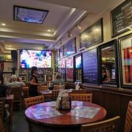 บรรยากาศ The Sportsman Pub and Restaurant