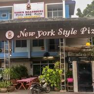 หน้าร้าน Rose's RoadHouse & New york style pizza in Chiang Mai