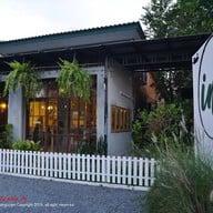 หน้าร้าน Int' Cafe and bakery Phatthalung
