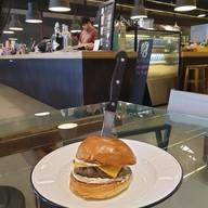เมนูของร้าน Escapade Burgers & Shakes