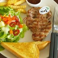 Eat Steak And Salad