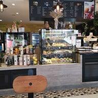 เมนู Deli Cafe'  Shell อโศก