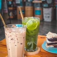 Whee Gift Shop & Juice Bar