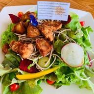 สลัดโซบะไก่คาราเกะ Soba&Chicken karage salad