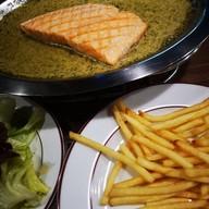 Le Boeuf The Steak & Fries Bistro ทองหล่อ