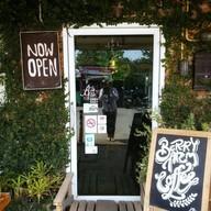 หน้าร้าน The Berry Arm Cafe