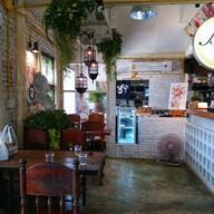บรรยากาศ The Berry Arm Cafe