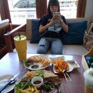 บรรยากาศ Phu House Salad & Coffee