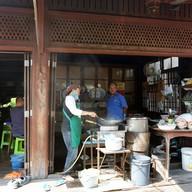 หน้าร้าน ผัดไทยตรอกบ้านจีน