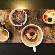 เมนูของร้าน TREAT Cafe & Hangout