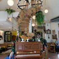 บรรยากาศ Daddy's Antique Cafe & Restaurant