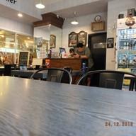 บรรยากาศ Bemyguest Bar&Bistro