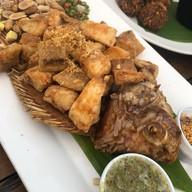 Inlaya Bar and Grill