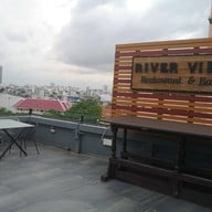 River Vibe Restaurant and Bar