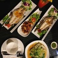 มูน ริเวอร์ MOON RIVER Silk Dining Restaurant