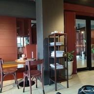 บรรยากาศ N10 Cafe โรงแรมบ้านวังหลัง ริเวอร์ไซด์
