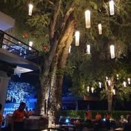 บรรยากาศ Loft Restaurant & Bar