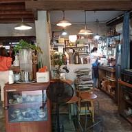 บรรยากาศ Ho: BAKE & CRAFT CAFE'