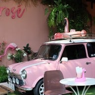 Frosé Yogurt Café