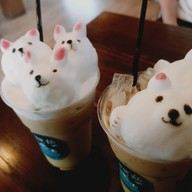 Bear Hug Cafe'