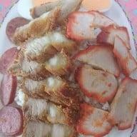 ข้าวหมูแดงเลิศรสเจ๊โส่ย