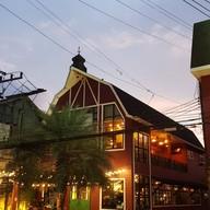 หน้าร้าน Farmhouse Restaurant