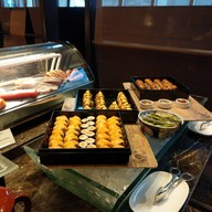 Up & Above Restaurant and Bar ห้องอาหารอัพ แอนด์ อะบัฟ และบาร์ The Okura Prestige Bangkok