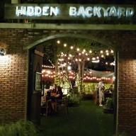 หน้าร้าน Hidden Backyard Cafe & Hangout
