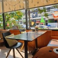 บรรยากาศ 25 Monday cafe'