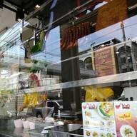 หน้าร้าน บะหมี่ฮ่องกงโด่งดัง บางบอน