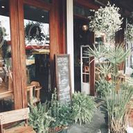 เมนูของร้าน Into the Woods Cafe
