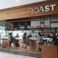 หน้าร้าน Roast เอ็มควอเทียร์