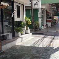 หน้าร้าน December Cafe' (คาเฟ่เด๊กซ์)