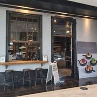 หน้าร้าน Vanilla Cafeteria EmQuartier