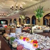 บรรยากาศ ห้องอาหาร ปทุมมาศ โรงแรม เดอะ สุโกศ