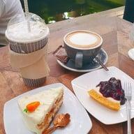 เมนูของร้าน บ้านก้ามปู Bankampu Tropical Cafe