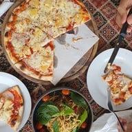 เมนูของร้าน Street Pizza & The Wine House