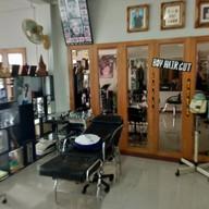 เมนูของร้าน บอยแฮร์คัท แม่สาย  (BANGKONG HAIR STYLE) แม่สาย