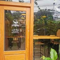 หน้าร้าน Hungry Bear Cafe' มุกดาหาร