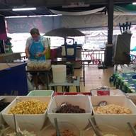 ร้านถั่วปั่น เฮียต้อย ที่ตลาดสนามหญ้า
