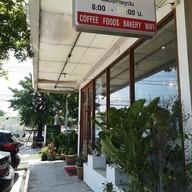 หน้าร้าน Real Cafe