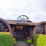 หน้าร้าน 180 cafe 180 All Day All Season Hostel