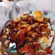 เมนูของร้าน ชาวทักษิณบะหมี่เกี๊ยว ปู หมูแดง รามอินทรา 67 แยก 2