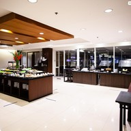 บรรยากาศ NIMMAN BAR & GRILL Chiang Mai