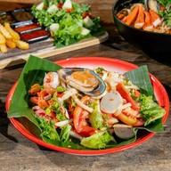 เมนูของร้าน 9 Tamarind Cafe by Nine Phetchabun Farm