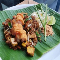 เมนูของร้าน ผัดไทยไฟทะลุ Thai Taste Hub Mahanakhon Cube