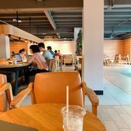 Starbucks Chic Hostel