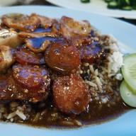 ข้าวหมูแดงนายฮุย ซอยพิชิต วังบูรพา